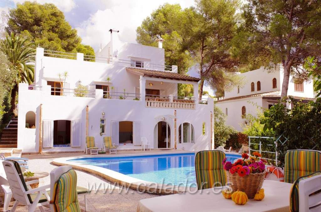 5 bedroom Villa for sale in Cala d'Or with pool - € 1,100,000 (Ref: 2584976)