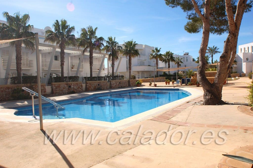 3 bedroom Townhouse for sale in Cala d'Or with pool - € 260,000 (Ref: 3435221)
