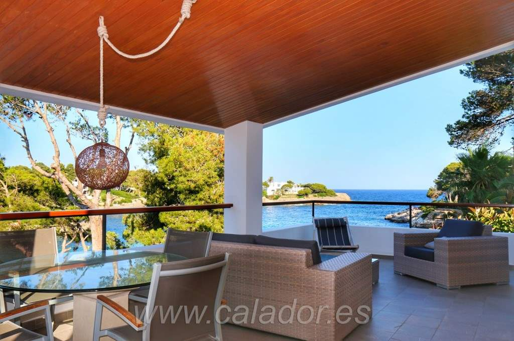 8 bedroom Villa for sale in Cala d'Or with garage - € 3,200,000 (Ref: 3595082)