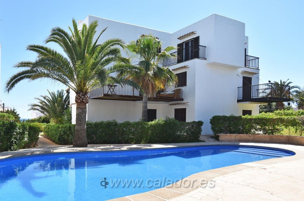 2 bedroom Apartment for sale in Cala d'Or with pool - € 260,000 (Ref: 4631535)