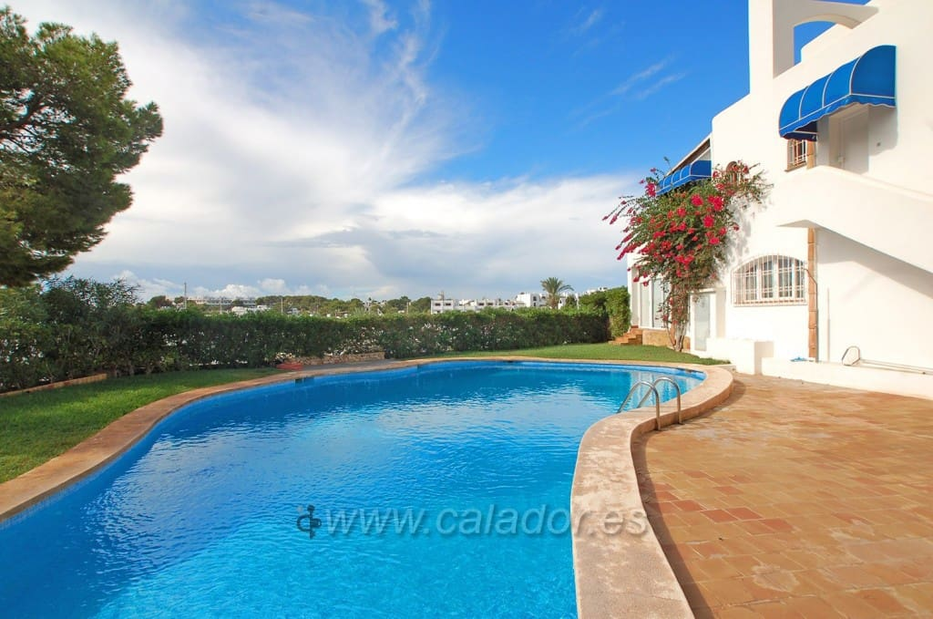 3 bedroom Apartment for sale in Cala d'Or with pool garage - € 299,000 (Ref: 4975202)