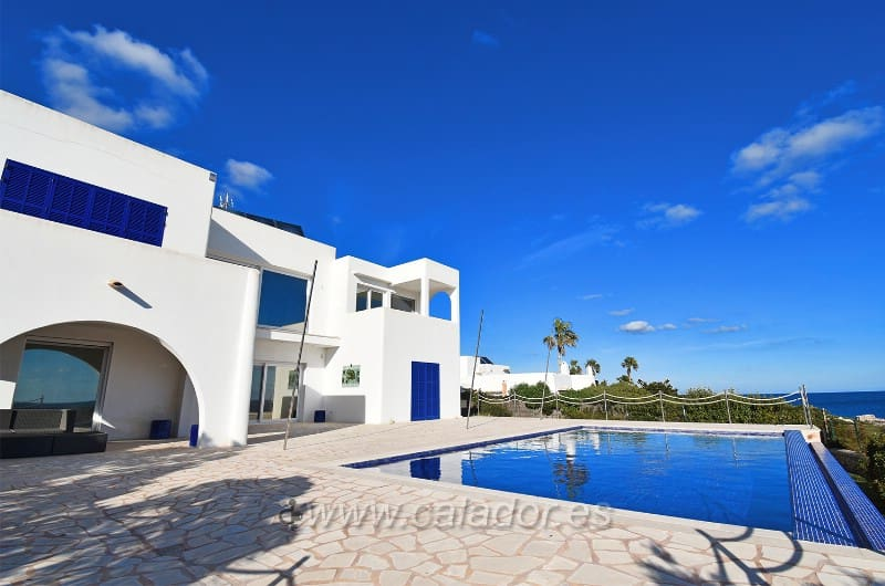 4 bedroom Villa for sale in Cala d'Or with pool - € 3,200,000 (Ref: 5081525)