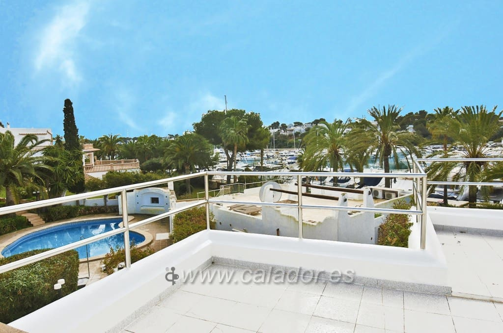 4 sypialnia Willa na sprzedaż w Cala d'Or z basenem garażem - 950 000 € (Ref: 5122326)