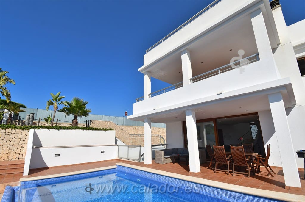 3 bedroom Villa for sale in Cala d'Or with pool - € 1,090,000 (Ref: 5428685)