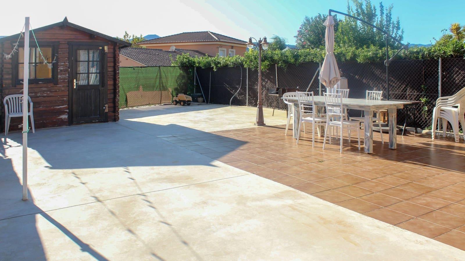 Bungalow de 2 habitaciones en Beniarbeig en venta con piscina garaje - 159.000 € (Ref: 5089088)