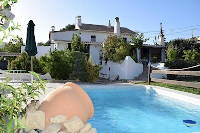 8 bedroom Finca/Country House for sale in Alhama de Granada with pool - € 310,000 (Ref: 3632446)
