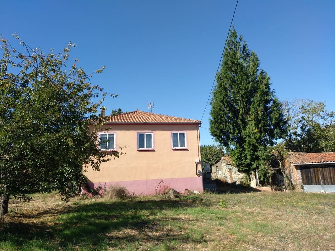 6 bedroom Finca/Country House for sale in Sober with garage - € 85,000 (Ref: 5094972)