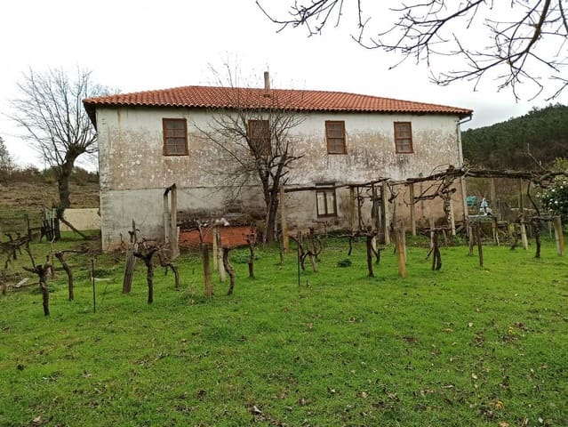 4 bedroom Finca/Country House for sale in Monforte de Lemos with garage - € 95,000 (Ref: 5148210)
