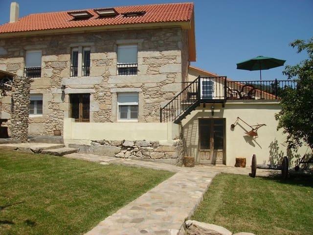 8 soveværelse Virksomhed til salg i Outes - € 330.000 (Ref: 5739407)