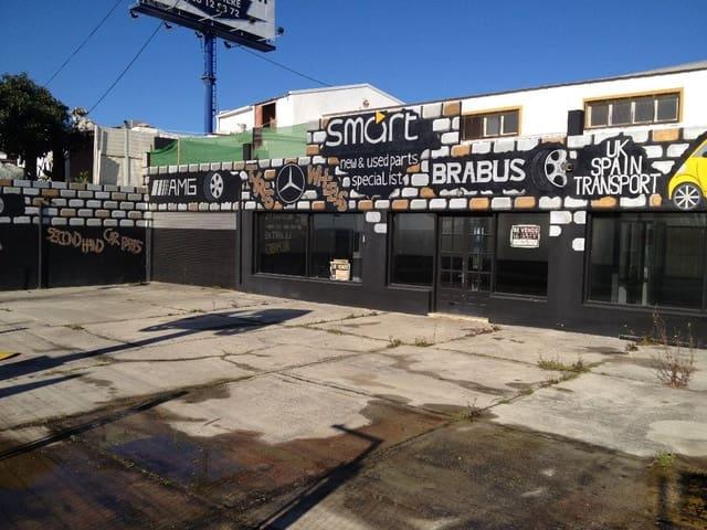 Garage for sale in Estepona - € 360,000 (Ref: 2372703)