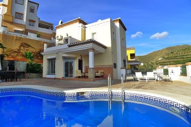 3 soveværelse Villa til salg i Torrox-Costa med swimmingpool garage - € 390.000 (Ref: 5748929)