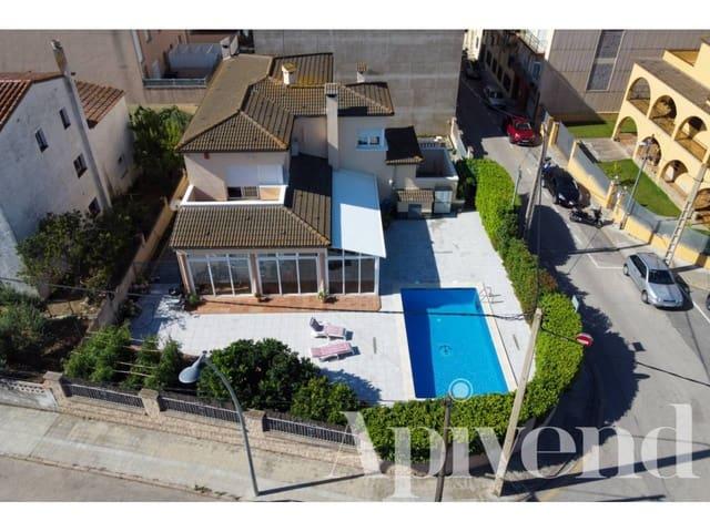 5 chambre Villa/Maison à vendre à Roses avec piscine garage - 690 000 € (Ref: 5802945)