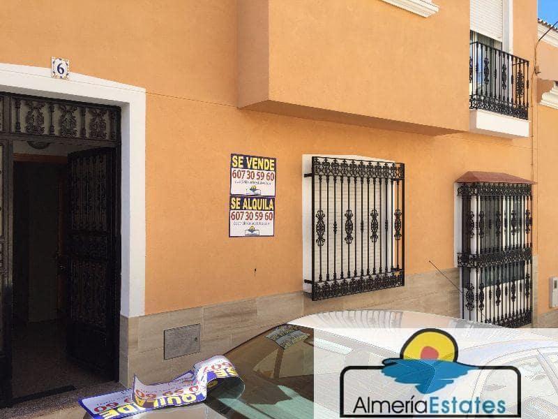 Piso de 3 habitaciones en Vélez-Rubio en venta - 77.000 € (Ref: 3216631)
