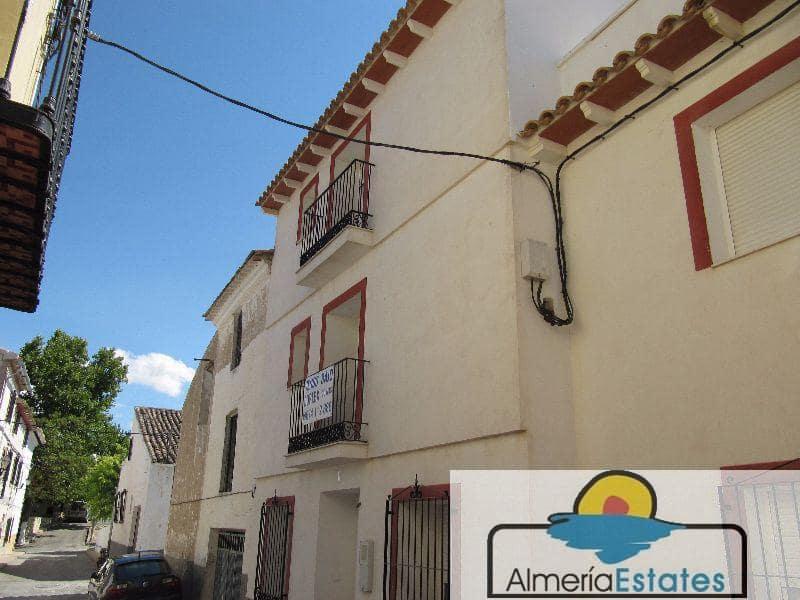 Piso de 3 habitaciones en Vélez-Blanco en venta con garaje - 130.000 € (Ref: 3326401)
