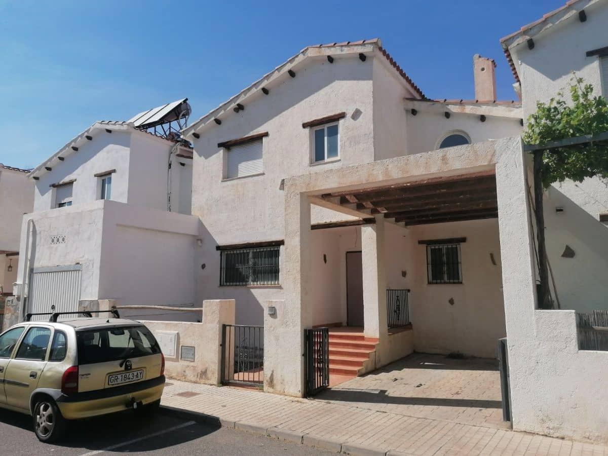 Casa de 3 habitaciones en Fiñana en venta - 70.000 € (Ref: 5445972)
