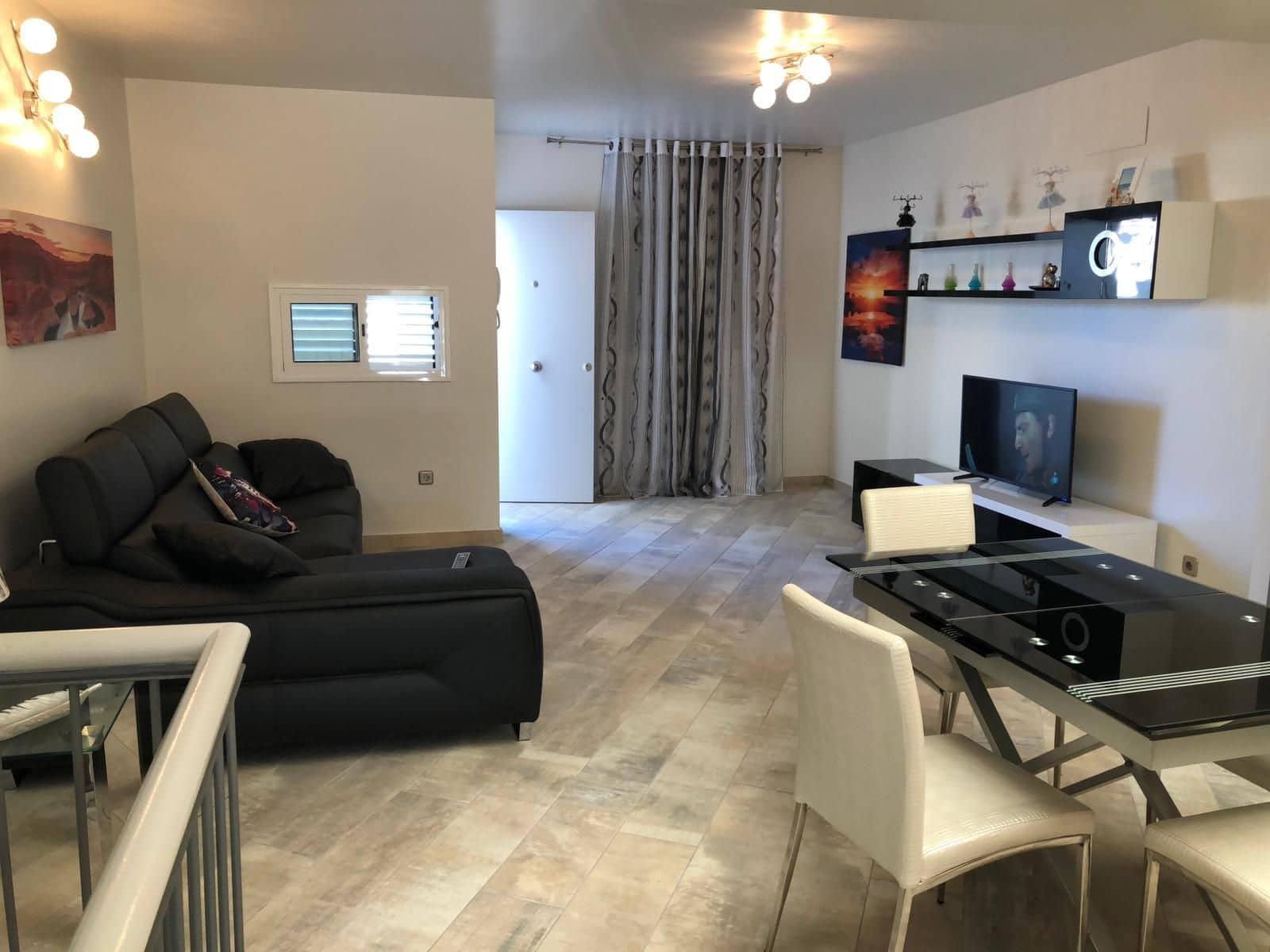 2 sovrum Lägenhet att hyra i Adeje med pool garage - 1 400 € (Ref: 5167040)