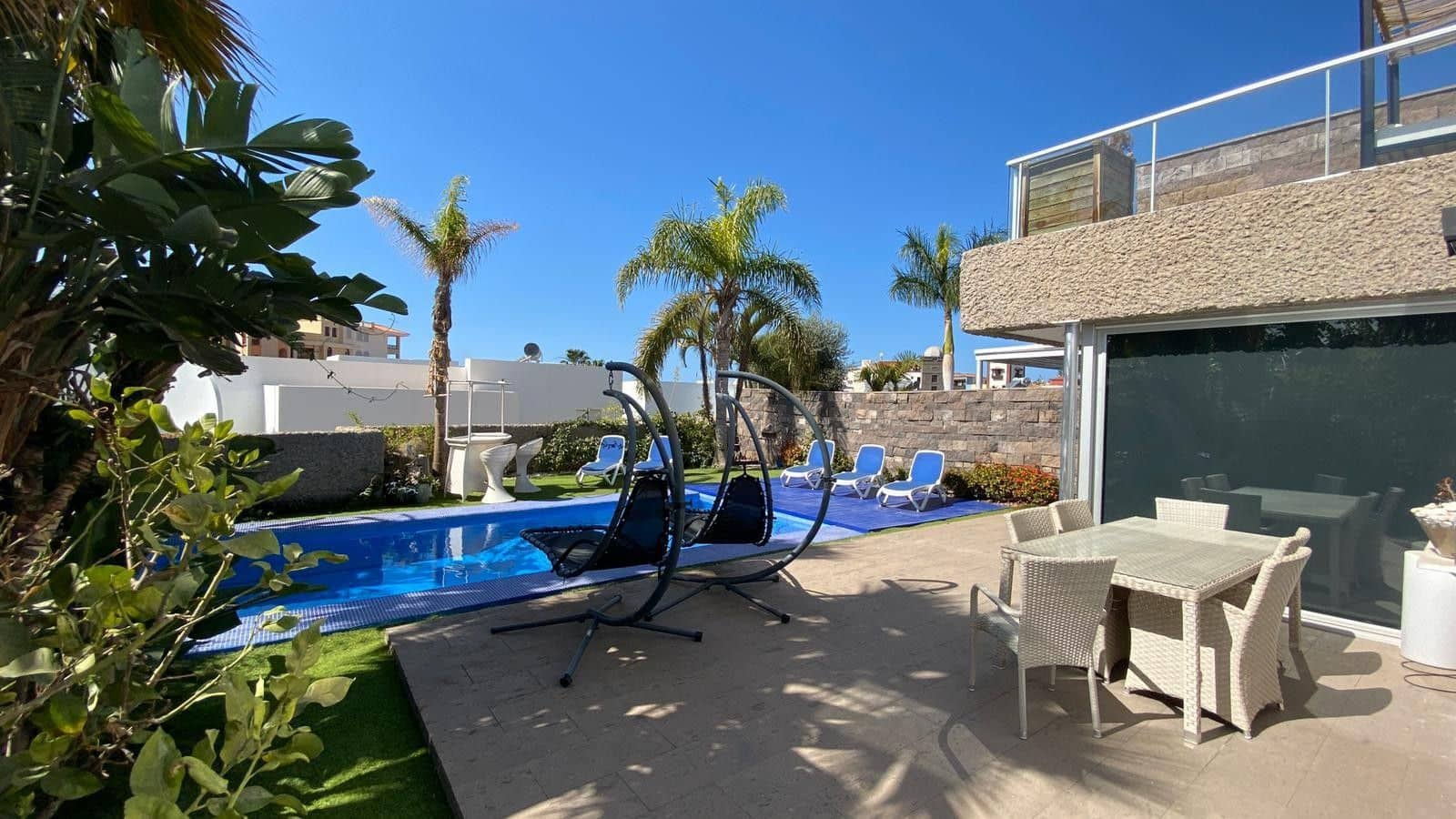 6 bedroom Villa for holiday rental in Costa Adeje with pool garage - € 2,700 (Ref: 5329191)