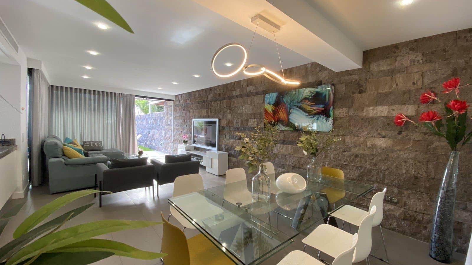 6 slaapkamer Villa voor vakantieverhuur in Costa Adeje met zwembad garage - € 2.700 (Ref: 5329191)