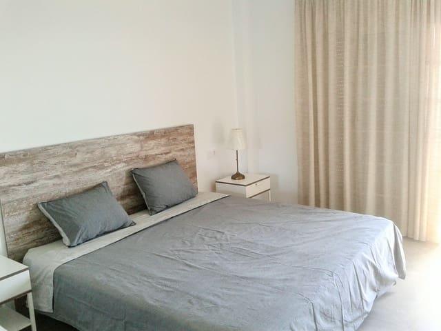 3 slaapkamer Appartement te huur in Arona met zwembad garage - € 1.000 (Ref: 5428657)
