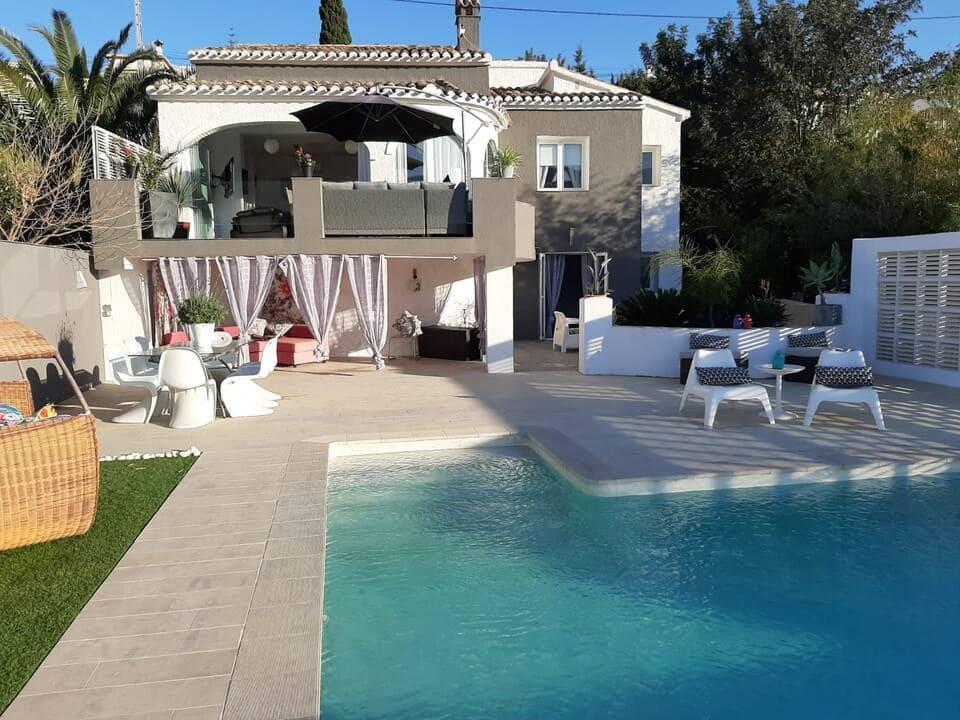 Chalet de 3 habitaciones en Orba en alquiler vacacional con piscina - 800 € (Ref: 5561573)