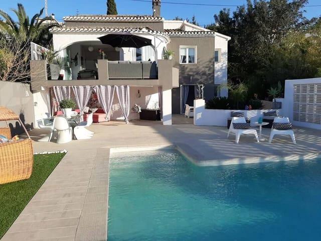 3 Zimmer Ferienvilla in Orba mit Pool - 999 € (Ref: 5561573)