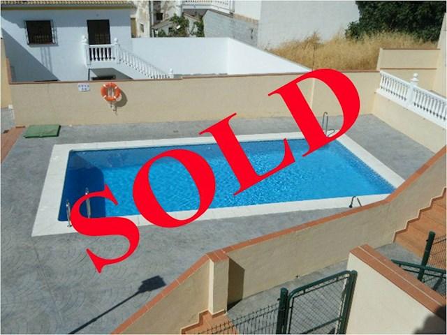 3 soveværelse Byhus til salg i Villanueva de la Concepcion med swimmingpool garage - € 119.000 (Ref: 2290670)