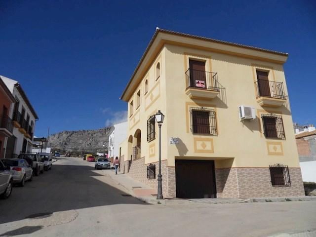 4 quarto Casa em Banda para venda em Villanueva de la Concepcion com garagem - 214 950 € (Ref: 3323006)