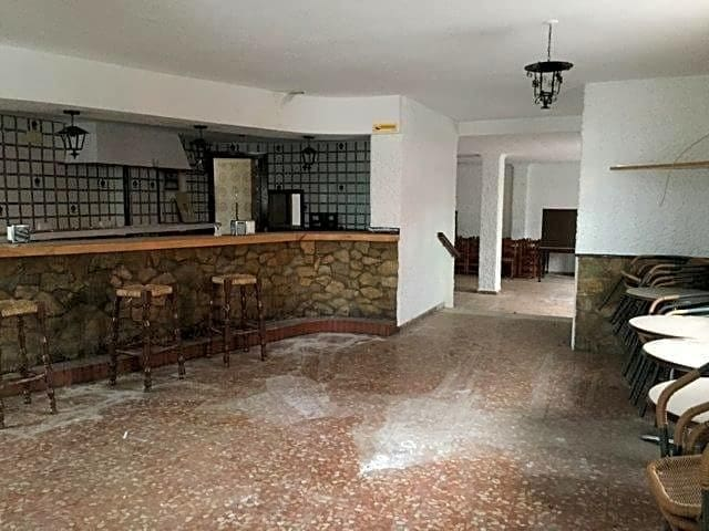 Business for sale in Calahonda - € 94,260 (Ref: 3393982)