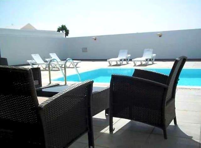 4 sovrum Villa till salu i Nazaret med pool - 412 000 € (Ref: 5599656)