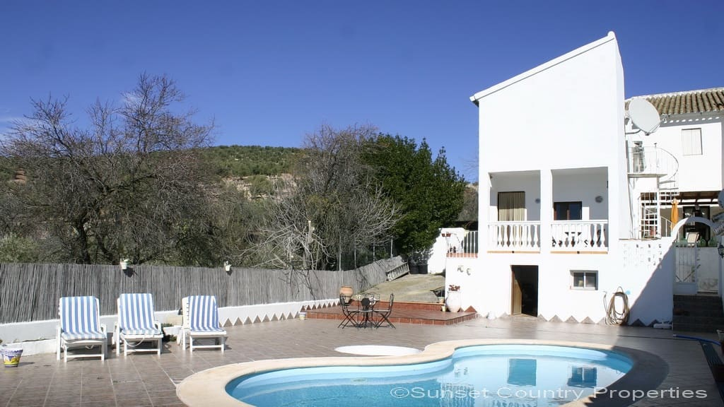 5 soverom Finca/Herregård til salgs i Villanueva de Algaidas med svømmebasseng - € 215 000 (Ref: 4497531)