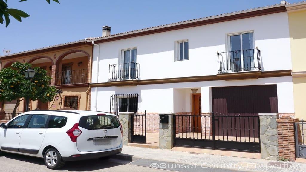 Adosado de 3 habitaciones en Salinas en venta con piscina garaje - 169.000 € (Ref: 4710324)