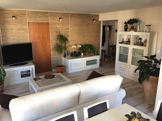 2 soverom Strandleiligheter til salgs i Torremolinos med svømmebasseng garasje - € 400 (Ref: 169160)