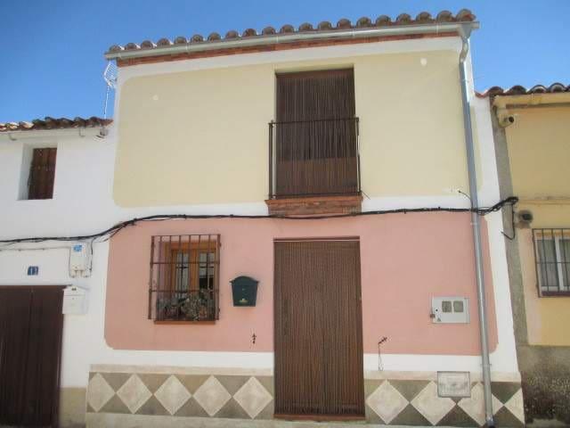 Dom drewniany na sprzedaż w Aldea del Obispo - 119 950 € (Ref: 3467997)