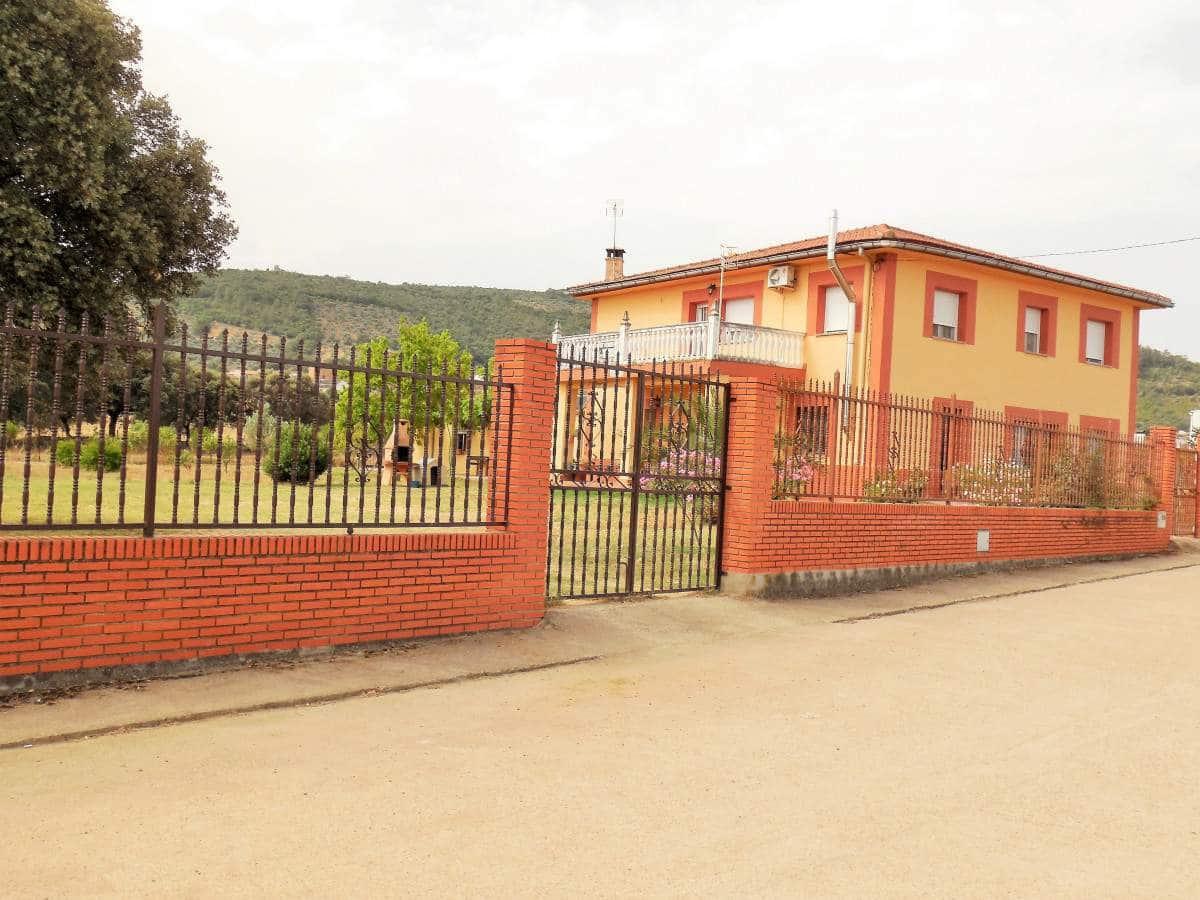 Hus till salu i Herrera del Duque - 169 500 € (Ref: 3974498)