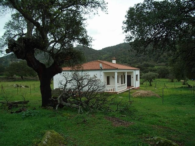 3 soveværelse Finca/Landehus til salg i Montanchez - € 142.500 (Ref: 5673414)