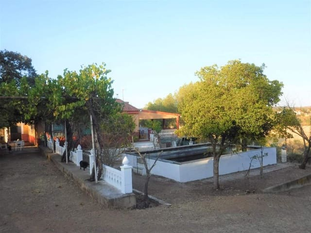 3 bedroom Finca/Country House for sale in Alburquerque - € 114,950 (Ref: 5673423)