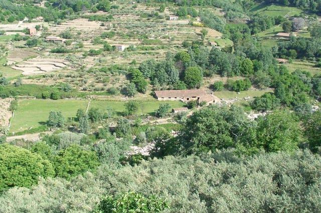 Grunde uden byggetilladelser til salg i Jarandilla de la Vera - € 130.000 (Ref: 5673452)