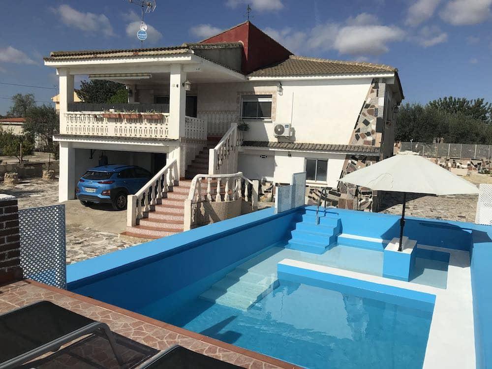 4 bedroom Villa for sale in Vilamarxant / Villamarchante with pool - € 185,000 (Ref: 6315067)