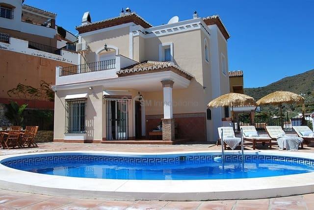 3 soveværelse Villa til salg i Torrox-Costa med swimmingpool - € 390.000 (Ref: 5235462)
