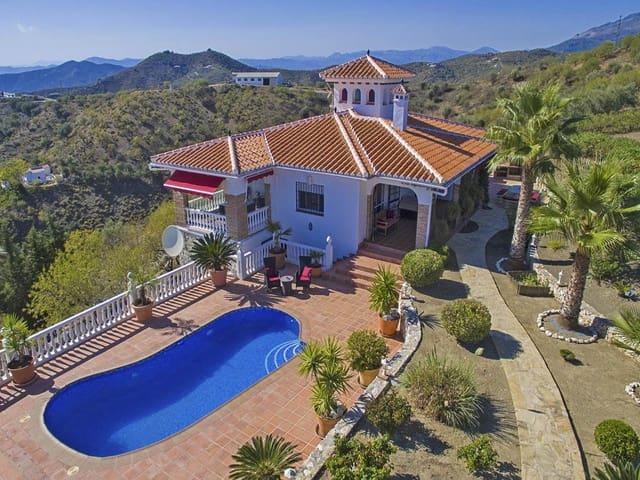 Chalet de 4 habitaciones en Corumbela en venta con piscina garaje - 449.950 € (Ref: 4211804)