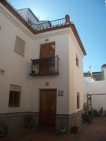 2 bedroom Townhouse for sale in Lecrin with pool - € 95,000 (Ref: 1059314)