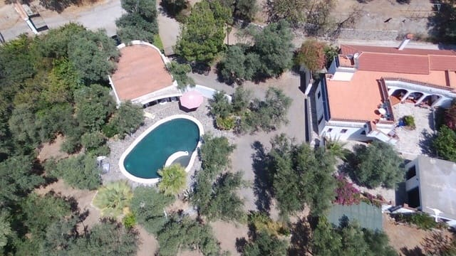 Finca/Casa Rural de 4 habitaciones en Orgiva en venta con piscina garaje - 395.000 € (Ref: 5439508)