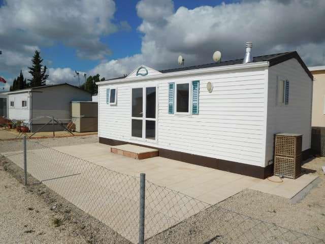 Mobil-Home de 2 chambres à louer à El Realengo avec piscine - 375 € (Ref: 4763213)