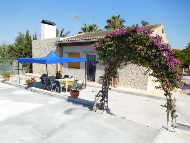 2 slaapkamer Finca/Landhuis te huur in Las Casicas met zwembad - € 750 (Ref: 5396205)