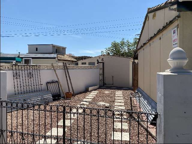 Grond te huur in Torrevieja - € 250 (Ref: 5498452)