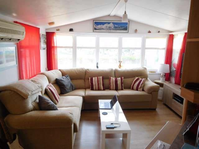 2 makuuhuone Asuntovaunu myytävänä paikassa Torrevieja mukana uima-altaan - 26 995 € (Ref: 6031095)