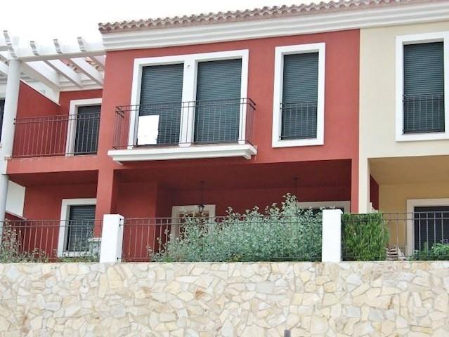 3 soverom Rekkehus til salgs i Llosa de Camacho med svømmebasseng - € 173 500 (Ref: 2528541)