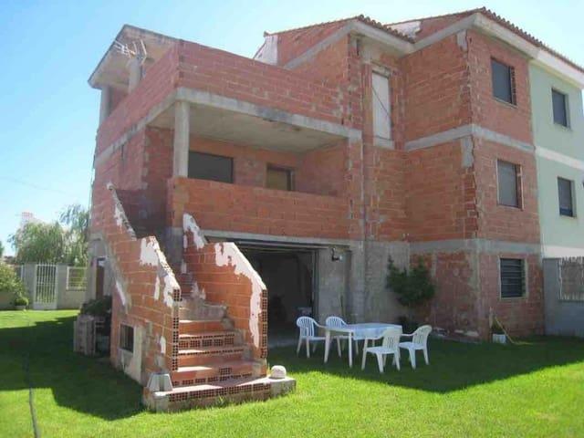 6 sypialnia Dom blizniak na sprzedaż w Oliva z garażem - 190 000 € (Ref: 3581149)