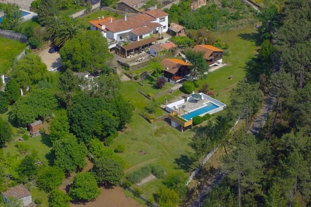 5 soveværelse Villa til salg i O Rosal med swimmingpool - € 498.000 (Ref: 4580530)