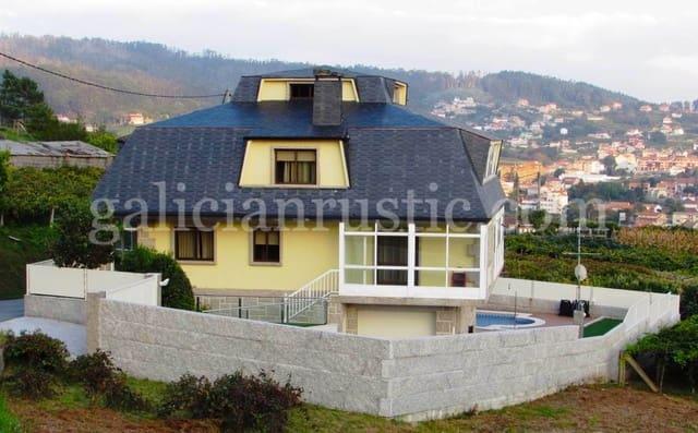 Chalet de 4 habitaciones en Poio en venta con piscina - 394.000 € (Ref: 4878174)